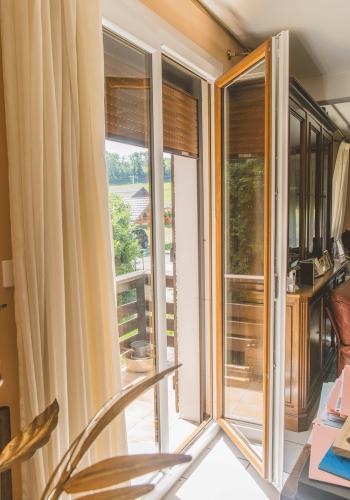 Fenêtre pvc moderne sur mesure - réalisations devis gratuit