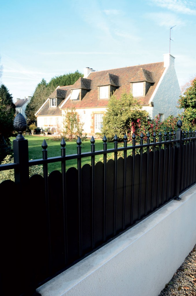 Clotures aluminium de jardin stunning clture en alu with for Cloture aluminium ajoure