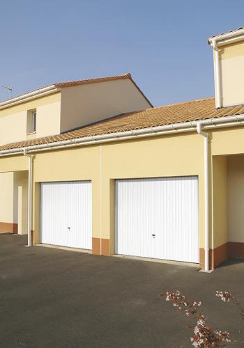 Porte de garage moderne enroulable sur mesure - réalisations devis gratuit