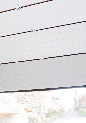 Porte de garage moderne sectionnelle plafond sur mesure - réalisations devis gratuit