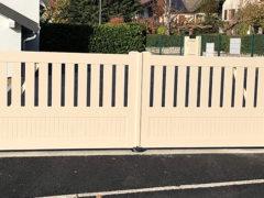 BEL EXEMPLE DE PORTAIL PVC AUTOMATIQUE A BARBY