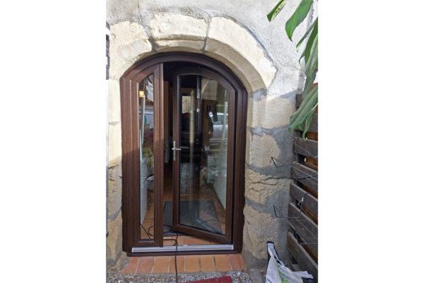 Porte fenêtre pvc chêne foncé Choisy