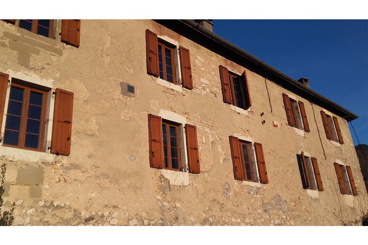 Volets battants bois Chateau-Dauphine